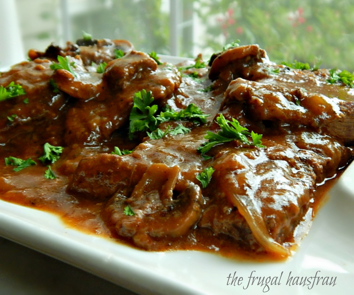 Swiss Steak with Mushroom Gravy Instant Pot